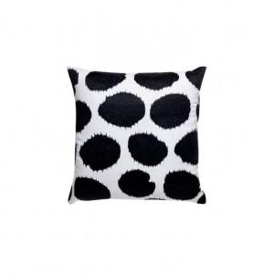 Černobílý dekorační polštář č.1