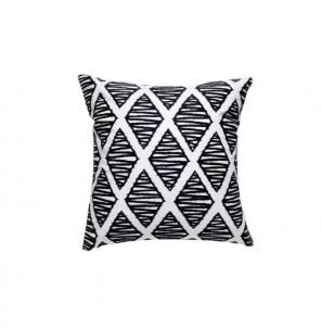 Černobílý dekorační polštář kosočtverce č.1
